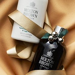 Premiere Molton Brown - 314-899 Molton Brown Fabled Juniper Berries & Lapp Pine Shower Gel & Body Lotion Duo