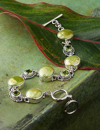 ARTISAN JEWELRY BY SAMUEL B. - 175-998 Artisan Silver by Samuel B. 12-13mm Green Cultured Pearl & Gem Bracelet