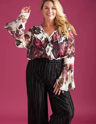 MARC BOUWER UNLIMITED at Evine - 737-703 Marc Bouwer Printed Chiffon Long Bell Sleeve Ruffle Detailed Surplice Neck Top, 737-700 Marc Bouwer Woven Pleated Drawstring Elastic Waist Wide Leg Cropped Pants