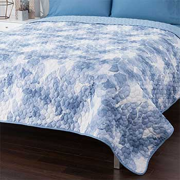 Clearance Corner at Evine - 467-205 North Shore Living™ 300TC CottonPoly Blend Quilted Coverlet
