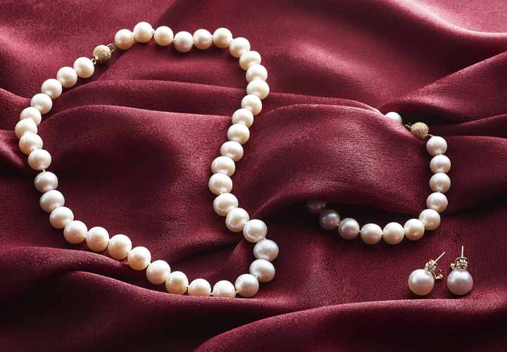 177-641 Kwan Collections 14K Gold 10-11mm Cultured Pearl Necklace, Bracelet & Earrings Set