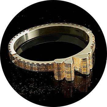 173-707 Stefano Oro Plaid Ricami 14K Gold 7 Hinged Bow Bangle Bracelet, 14.4 grams