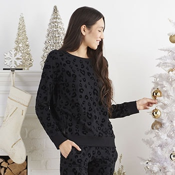 Cozy Fashion Gifts - 745-416 Theo & Spence Knit & Velvet Crew Neck Zipper Detailed Pullover
