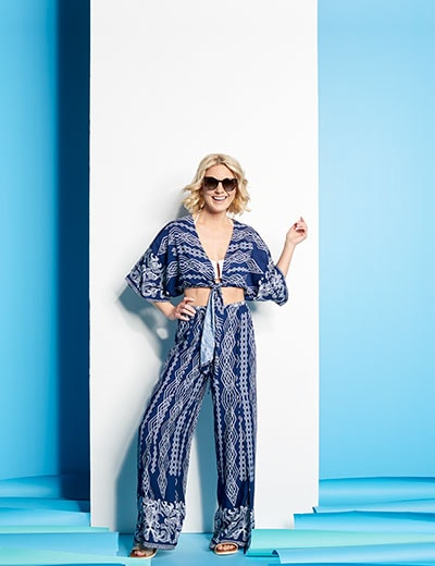 Vacation Vibes The Gear You Need to Getaway - 742-247 Fig & Vine Printed Woven Elbow Sleeve Open Tie Front Cropped Top