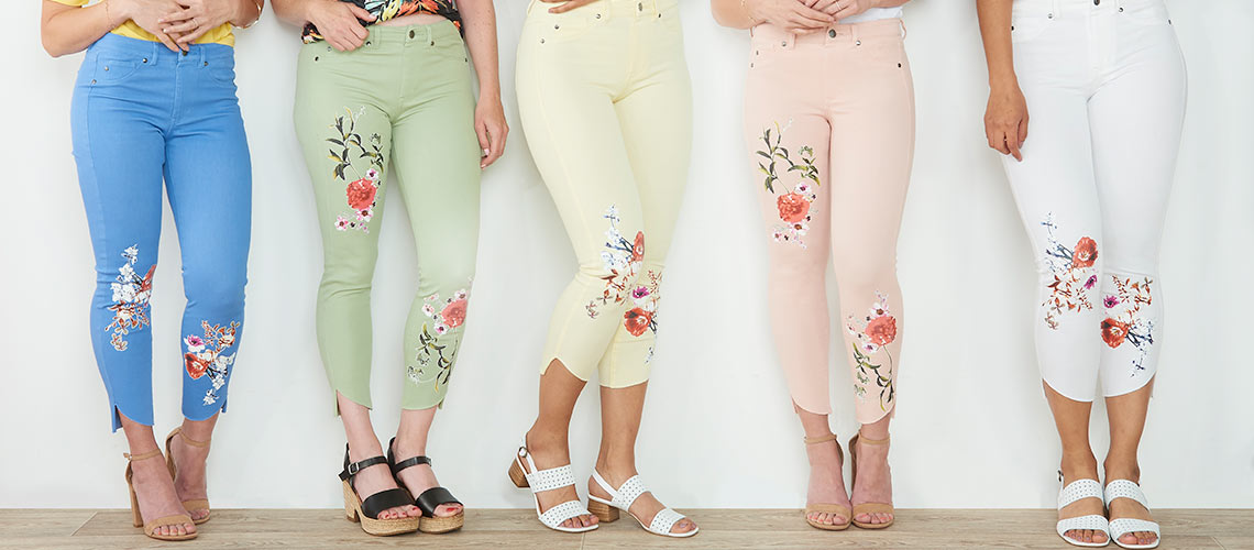740-345 Kate & Mallory® Super Stretch Denim 3-Pocket Floral Decal Raw Edge Hem Cropped Jeans