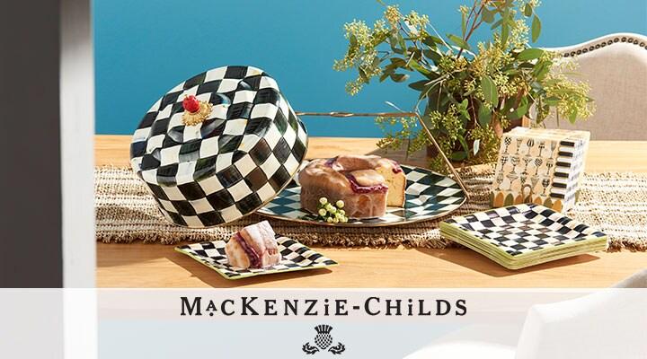 MacKenzie-Childs - 497-237 MacKenzie-Childs Choice of Cake Carrier w Set of 3 Napkins & Plates