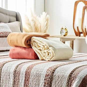 Jeffrey Banks  494-005 Jeffrey Banks Choice of Color & Size Micro Fleece Blanket