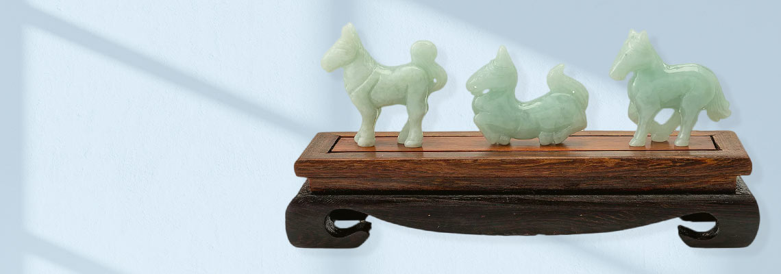184-908 Kwan Collections Set of 3 1.5 Carved Jade Horses w Wooden Stand