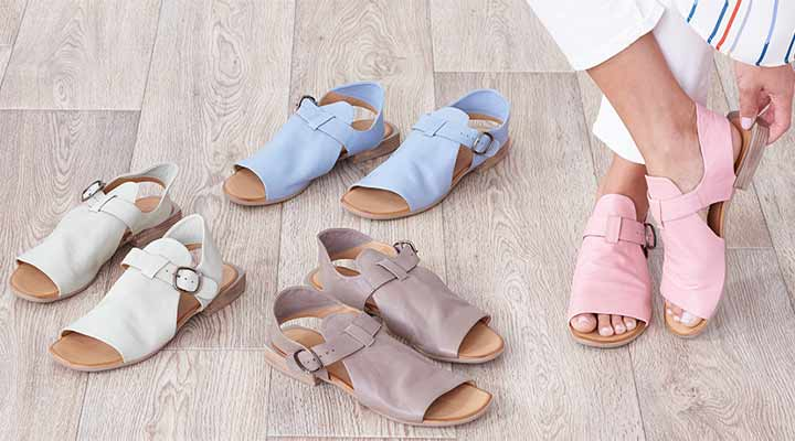 753-073 Bueno Ava Leather Buckle Detailed Open Toe Sandals